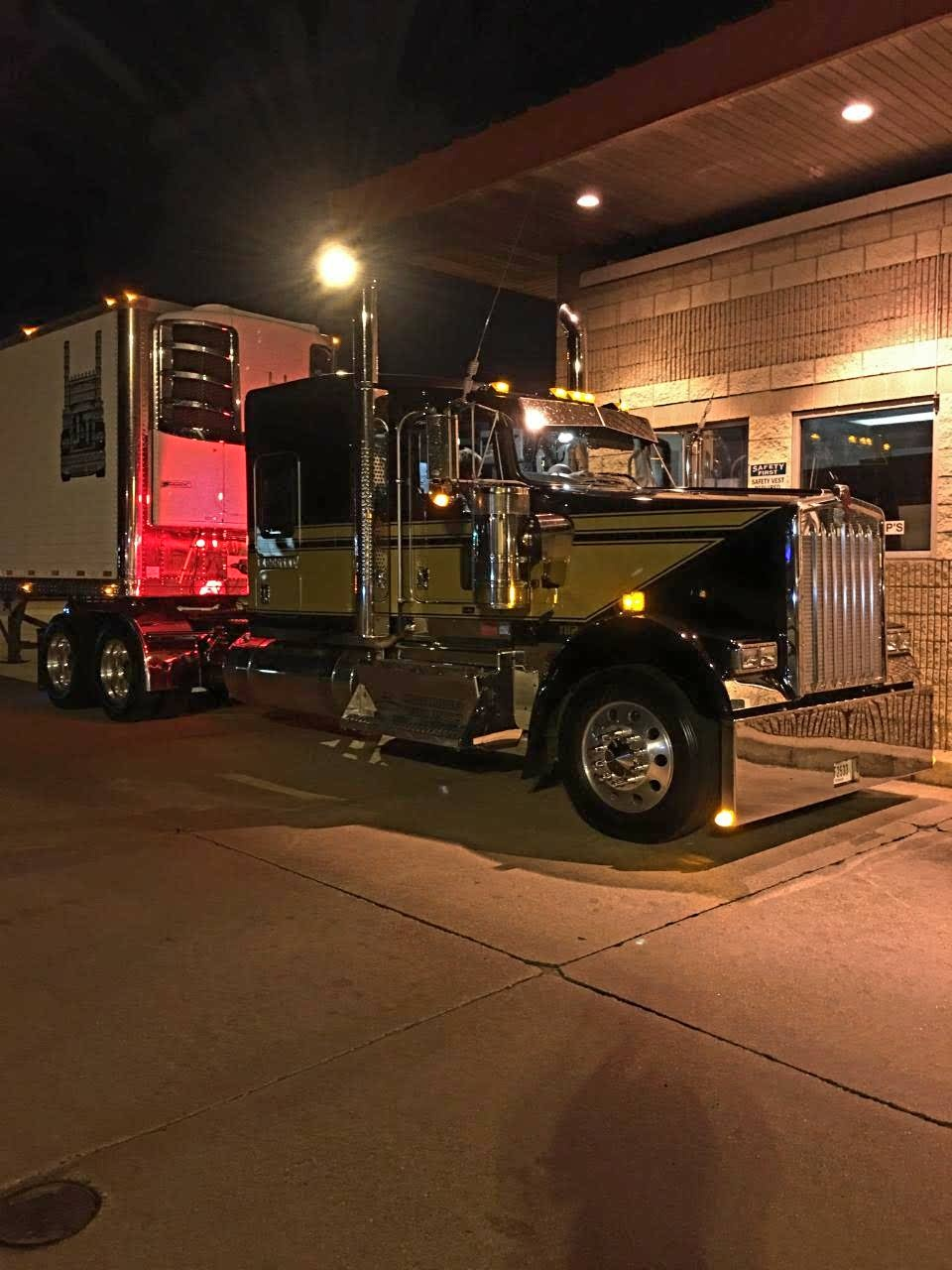 Tab's Big Rig, second picture.